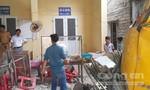 Xe tải đâm sập nhà dân, ba người nhập viện
