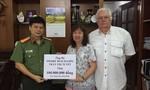 Vợ chồng Việt kiều Pháp trao 100 triệu đồng xây dựng cầu nông thôn