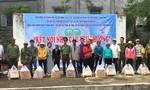 Hàng trăm phần quà đến với học sinh nghèo hiếu học ở Đắk Nông