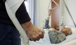 Cụ bà 100 tuổi rối loạn tri giác vì... đói