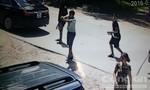 Nhóm côn đồ nổ súng bắn chủ nhà trong lúc truy sát lái xe