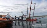 Tàu ngư dân bị thủng, thiệt hại hơn 100 triệu đồng