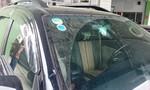 Bắt khẩn cấp đối tượng đập phá xe hơi