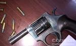 Mang súng rulo và 22 viên đạn chuẩn bị truy sát đối thủ