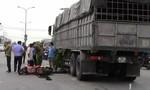 Xe tải tông đuôi xe máy, 2 người thương vong