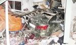 Xe Lexus tiền tỷ tông xuyên tường nhà dân, 6 người thương vong