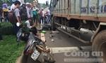 Người phụ nữ bị xe tải cuốn vào gầm, cán nát chân trái