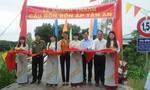 Báo CATP khánh thành cầu nông thôn và trao quà cho học sinh nghèo