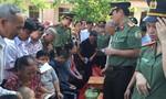 Cục An ninh cửa khẩu tặng quà tại Quảng Bình, Quảng Trị