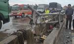 Container mất lái tông nát dải phân cách giữa đường