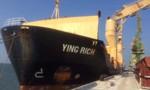 Lấy mẫu 160 tấn bùn Formosa nhập từ Trung Quốc về gửi đi giám định