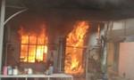 Gã chồng phóng hỏa đốt vợ và con trai ở Sài Gòn