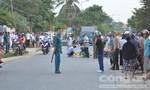 Nam thanh niên đi xe máy ngã ra đường, bị xe tải cán tử vong