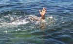 Phát hiện một thi thể nam dưới mương nước