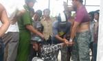 Nghe tiếng truy hô, người dân vây bắt tên trộm ba lô trong bệnh viện