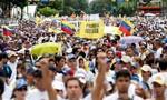 Khủng hoảng kinh tế, người dân Venezuela biểu tình đòi tổng thống từ chức