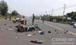 Hai xe máy đối đầu, 4 người bị thương