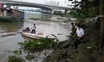 Xác nam thanh niên mang ba lô đá nổi trên sông Sài Gòn