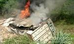 Xe container lao xuống vực bốc cháy, tài xế tử vong