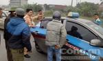 Xe gây tai nạn bỏ trốn, lái xe taxi từ chối đưa người đi cấp cứu
