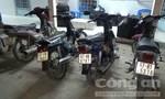 Bắt 4 xe gắn máy vận chuyển gần 5.000 bao thuốc lá