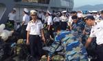 Tàu công tác chở chiến sĩ từ Trường Sa về đất liền ăn Tết