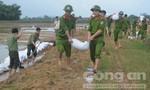Đoàn Thanh niên Công an tỉnh Bình Định giúp dân khắc phục hậu quả lũ lụt