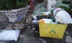 Cảnh sát môi trường bắt xe máy chở mỡ heo bẩn đi tiêu thụ