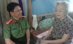 Báo Công an TP. HCM chúc Tết mẹ Việt nam anh hùng ở Bến Tre