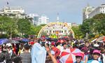 Nhiều trường hợp mất điện thoại tại Đường hoa Nguyễn Huệ