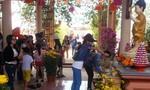 Người dân phố núi nô nức lễ chùa cầu an đầu năm