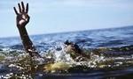 Tắm biển đầu năm, hai người thương vong