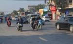 """Ngày Tết, người dân """"vô tư"""" vi phạm luật giao thông"""