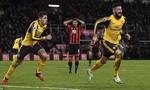 Arsenal mất điểm trong trận đấu điên rồ