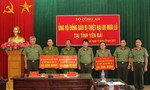 Bộ Công an thăm, ủng hộ đồng bào bị thiệt hại do mưa lũ tại Yên Bái