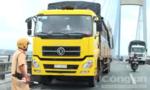 Dừng xe tải trên cầu Mỹ Thuận, rồi gieo mình tự vẫn