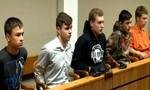 5 thiếu niên tuổi teen ném đá đùa giỡn gây chết người trên cao tốc