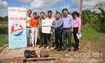 """Chương trình """"Chắp cánh ước mơ"""": Hỗ trợ người dân ở huyện Nhà Bè nuôi tôm để thoát nghèo"""