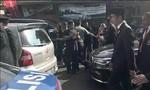 Tổng thống Indonesia phải xuống xe đi bộ 2km vì kẹt xe