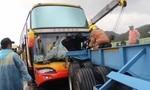 Xe chở nhiều du khách Việt Nam bị tai nạn tại Đài Loan