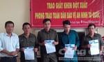 Khen thưởng công an và dân phòng xã bắt 2 tên trộm cáp viễn thông