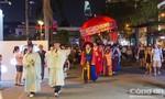 Người dân thích thú với các hoạt động văn hoá Hàn - Việt