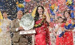 Á hậu Hà Thu đăng quang Quán quân Tình Bolero 2017
