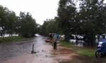 Đi làm về trong mưa lũ, một phụ nữ bị nước cuốn trôi
