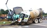 Xe bồn mất thắng tông hàng loạt xe máy, xe tải dừng đèn đỏ