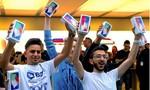 Xếp hàng rầm rộ toàn cầu mua iPhone X ngày mở bán
