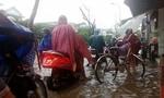 Sau bão, nhiều tuyến đường ở Thừa Thiên – Huế chìm trong biển nước