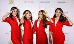 'Tranh cãi' về đồng phục của một số hãng hàng không quá 'gợi cảm'