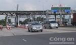 Người lạ mặt đe doạ tài xế ở trạm thu phí Cai Lậy