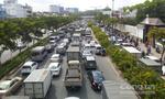 Đường vào sân bay Tân Sơn Nhất kẹt hơn 2 tiếng